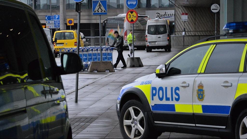 نخستین مظنون به اقدامات تروریستی و نقض قانون ضد تروریسم، صبح روز چهارشنبه در فرودگاه آرلاندا دستگیرشد