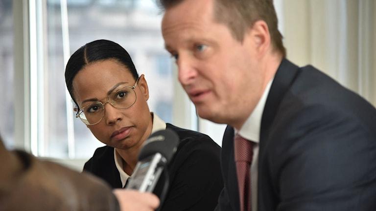 Kultur- och demokratiminister Alice Bah-Kunke och inrikesminister Anders Ygeman håller pressträff angående sitt möte med mediehusen med anledning av lördagens DDOS-attack.