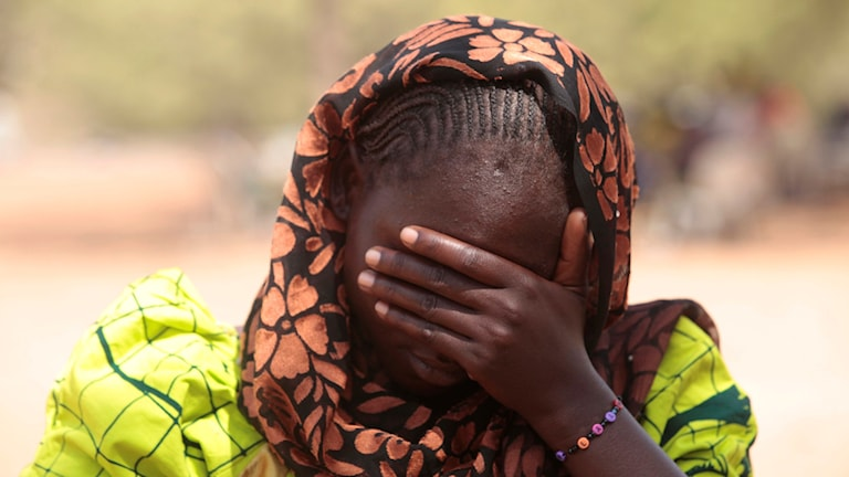 En 20-årig kvinna som kidnappades av extremistgruppen Boko Haram träffade journalister förra året och berättade om tiden i fångenskap.