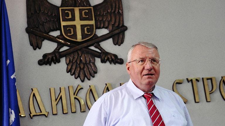Serbiske nationalisten Vojislav Seselj vid en presskonferens i Belgrad idag