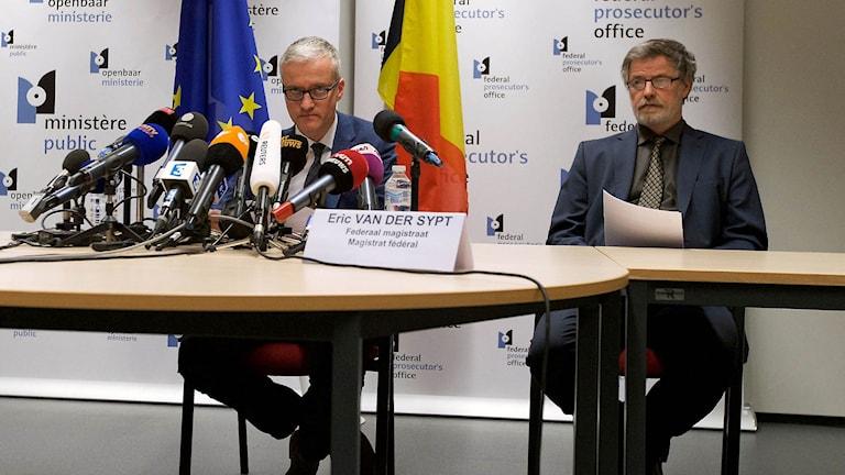 Thierry Werts och Eric Van der Sypt vid belgiska federala åklagarmyndigheten. Arkivbild.
