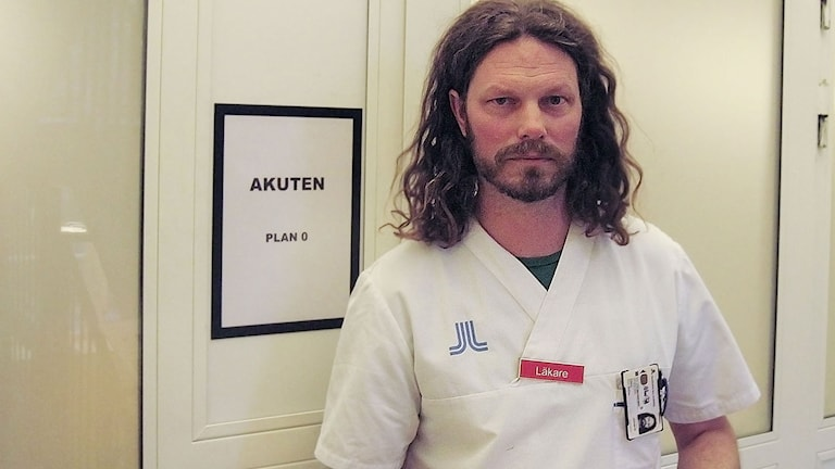 Mathias Sjöberg, överläkare vid Maria ungdom i Stockholm. Foto: Maria Repitsch/Sveriges Radio.