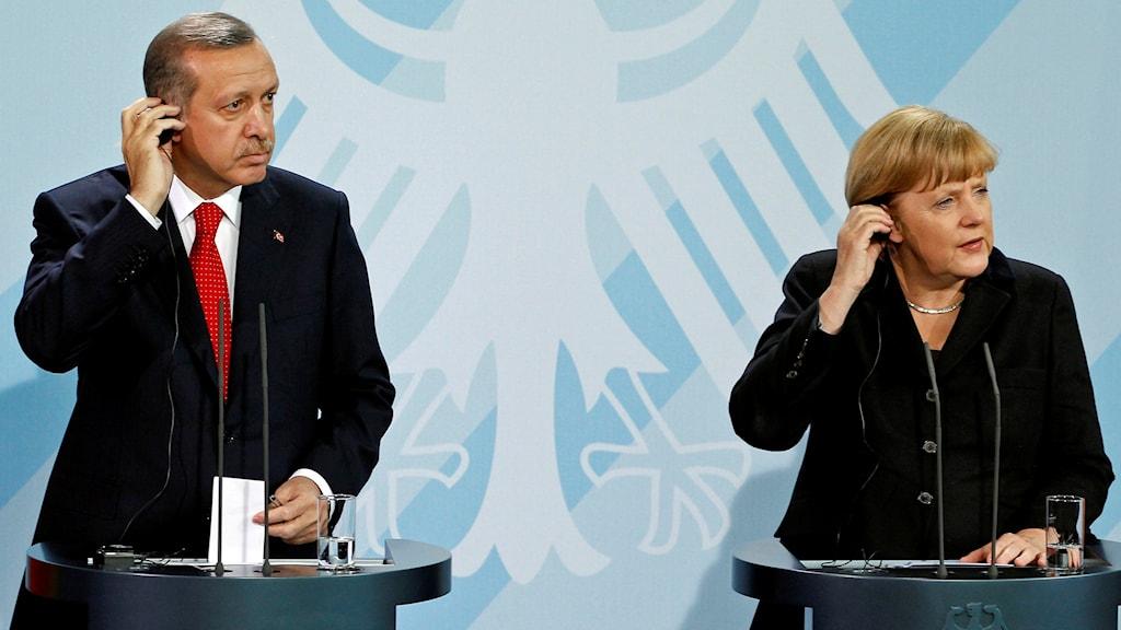 Erdogan och Merkel vid en gemensam presskonferens 2015.