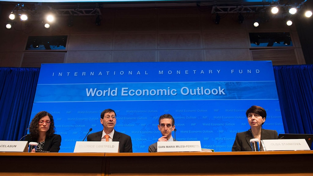 IMF presenterar sin Global Economic Outlook.
