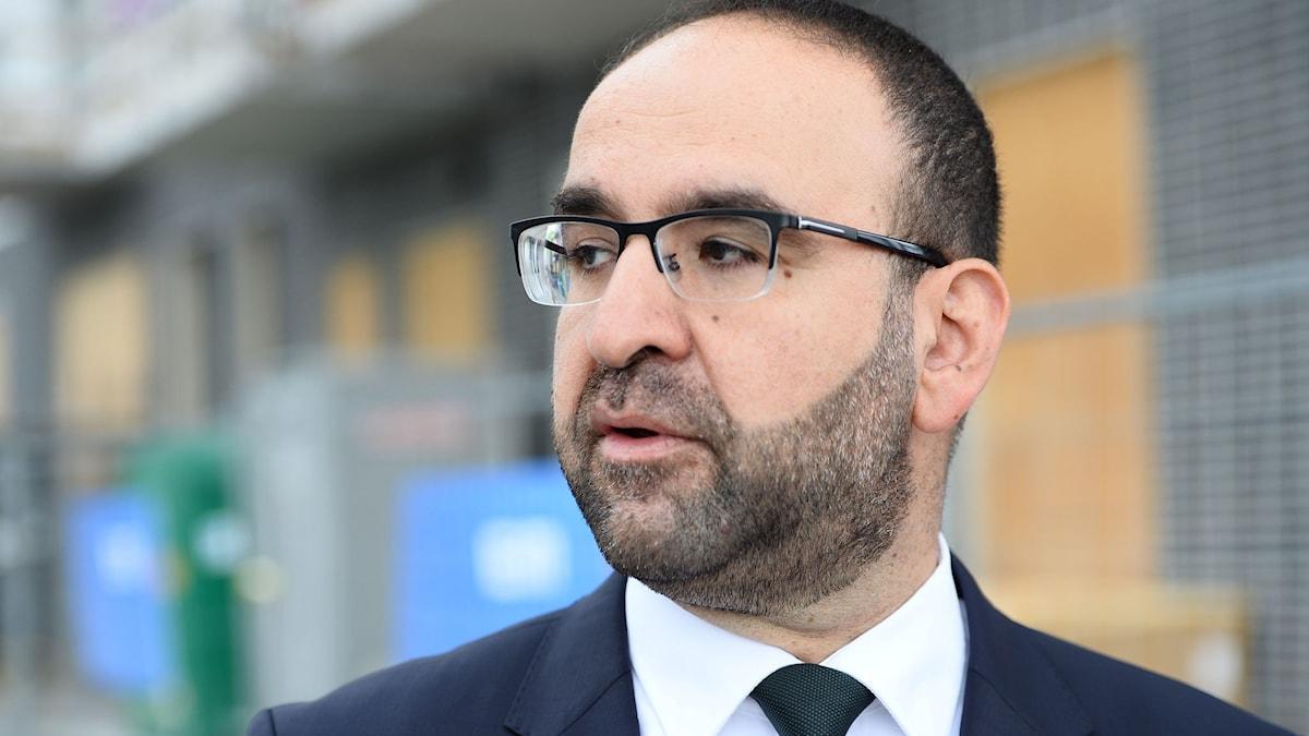 Bostadsminister Mehmet Kaplan.
