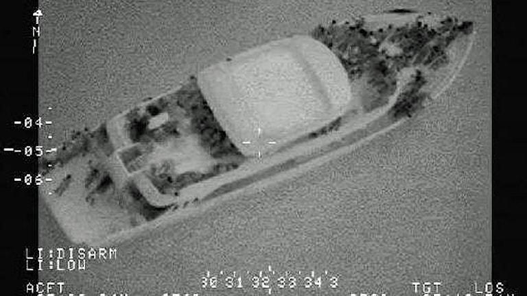 Migrantbåt på Medelhavet som svenska kustbevakare filmat och fotograferat.
