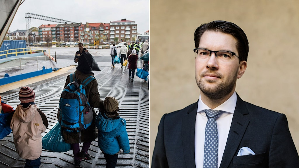 Flyktingfamilj kliver av en färja i Trelleborg. SD:s partiledare Jimmie Åkesson.