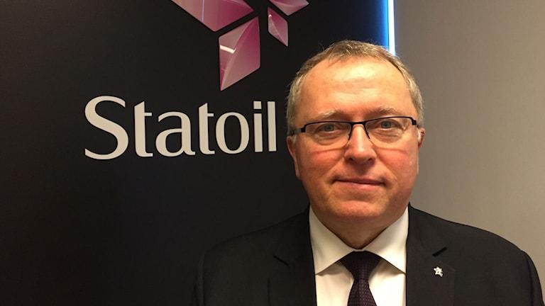 Statoils vd Eldar Sætre är pressad av låga olje- och gaspriser, men nöjd med att företaget har minskat sina kostnader.