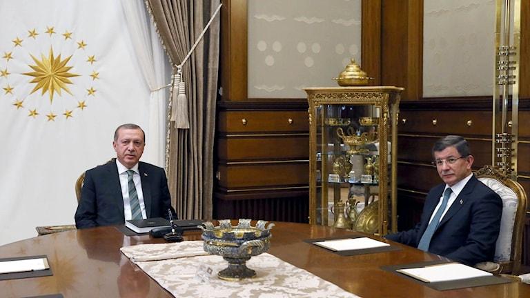 Turkiets premiärminister Ahmet Davutoglu och president Tayyip Erdogan har allt mer hamnat på kollisionskurs.
