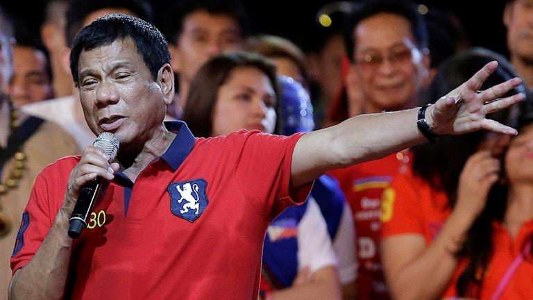 Den filippinske presidenten Rodrigo Duerte under ett valmöte i huvudstaden Manila.