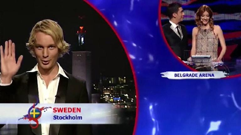 Björn Gustafsson delar ut Sveriges poäng under Eurovision i Belgrad 2008.