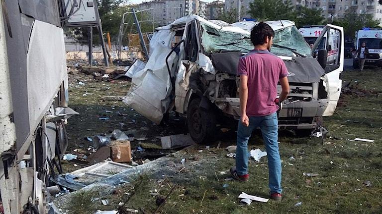 Platsen där en bilbomb exploderade i Diyarbakir.