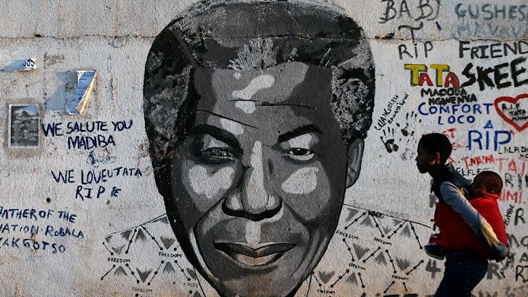 Nelson Mandela blev frihetshjälte efter sind tid i apartheidregimens fängelse