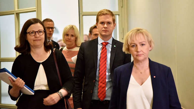 Skolverkets generaldirektör Anna Ekström (vänster), utbildningsminister Gustav Fridolin och minister för högre utbildning och forskning Helene Hellmark Knutsson.
