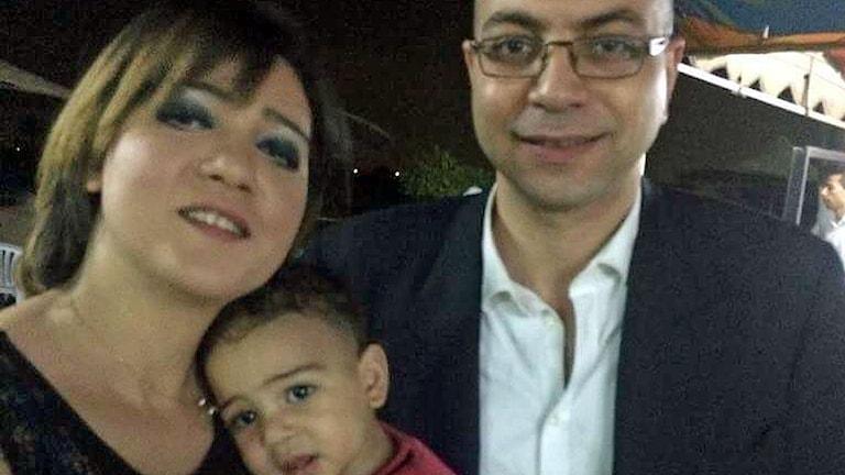 Amal Fathey med hennes make Mohamed Lotfy och deras son.