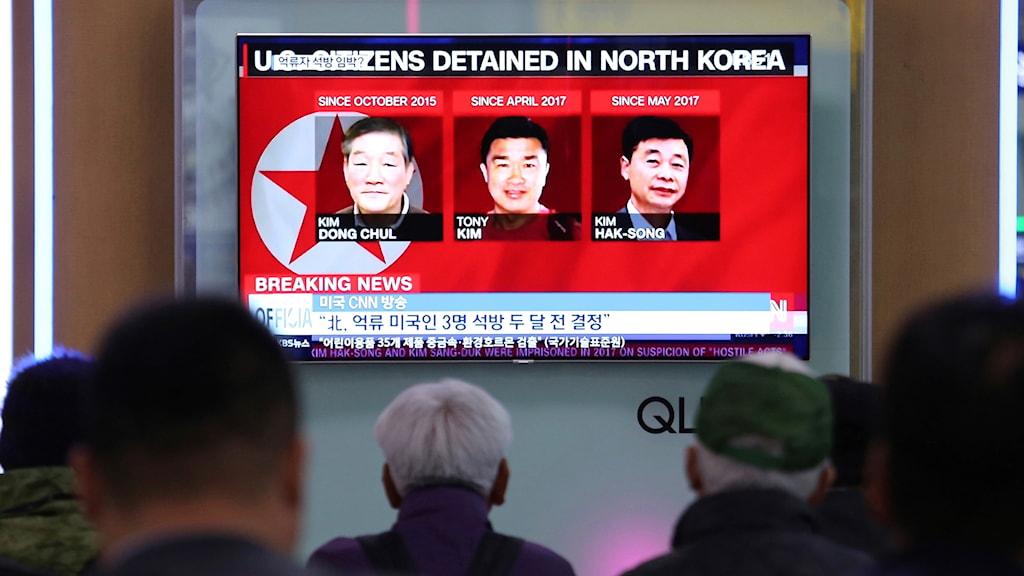 """De tre amerikanska fångarna var fängslade och anklagade för spioneri och """"fientliga handlingar""""."""