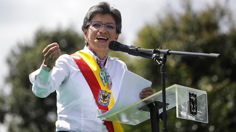 Bogotás borgmästare Claudia López talar