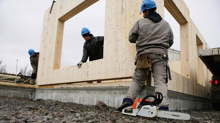 Byggarbetare i Uvdal, Norge.