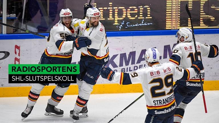 KARLSTAD 20190418 Jubel efter att Djurgårdens Dick Axelsson gjort 1-2 under torsdagens ishockeymatch I SHL SM-slutspelet semifinal 7 i bäst av 7 mellan Färjestad BK och Djurgårdens IF i Löfbergs Arena. Foto: Tommy Pedersen / TT
