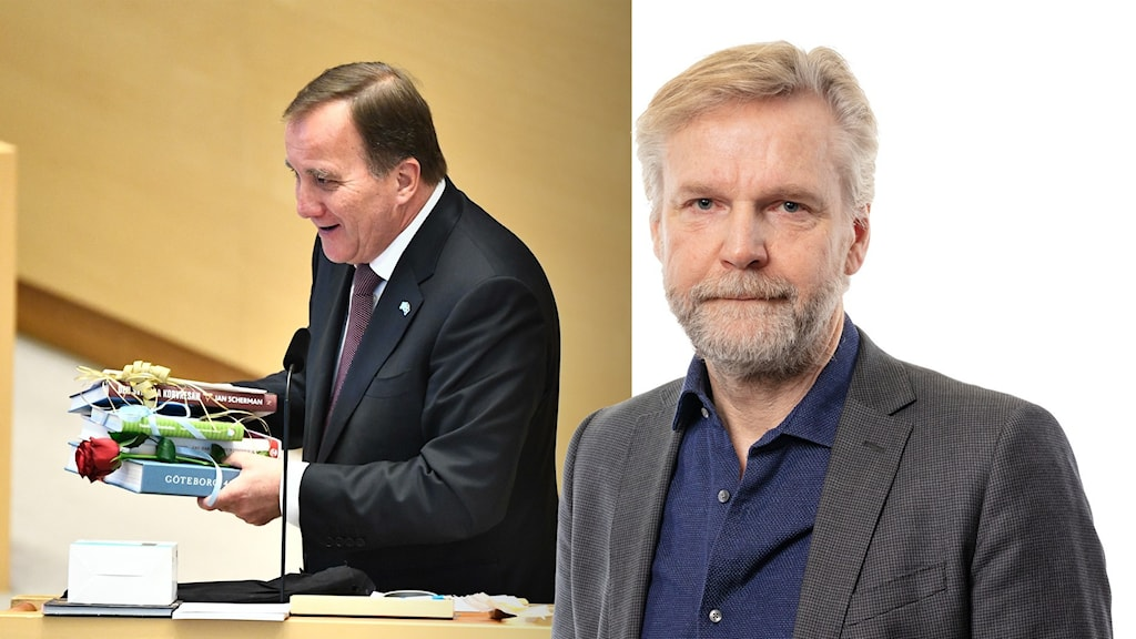 Ekots kommentator Tomas Ramberg och Stefan Löfven med en bunt presenter i händerna.