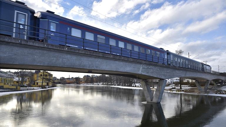 Rekordmånga tåg i tid – men målet nås inte