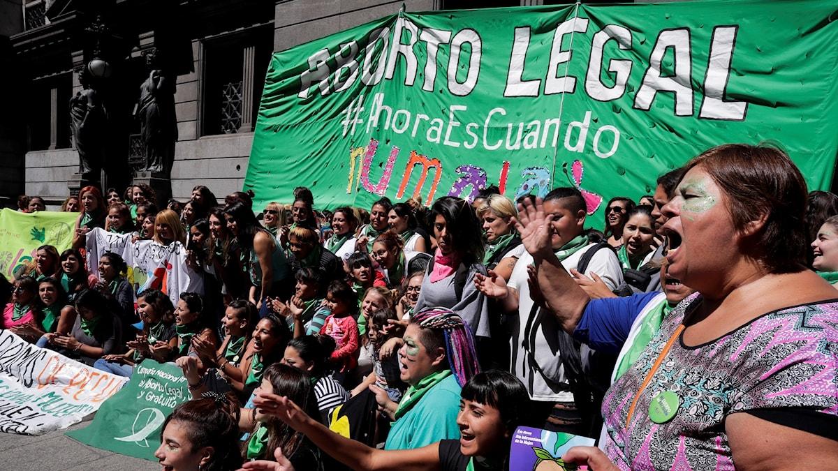 Kvinnor protesterade mot den rådande abortlagstiftningen.