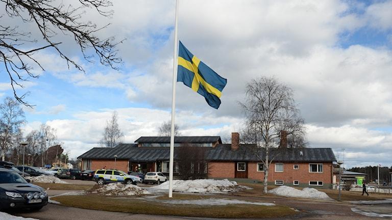 Församlingshemmet i Sveg, där passagerare som inte tagits till sjukhus har vårdats under dagen. Foto: Nisse Schmidt/TT