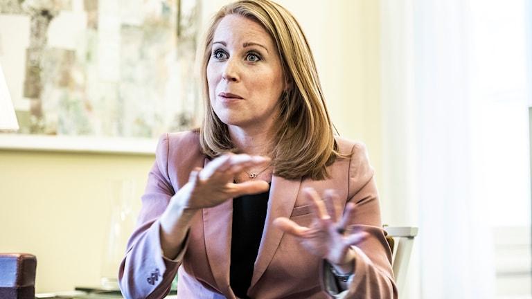 Centerpartiet oroades över Moderaternas närmande till Sverigedemokraterna.