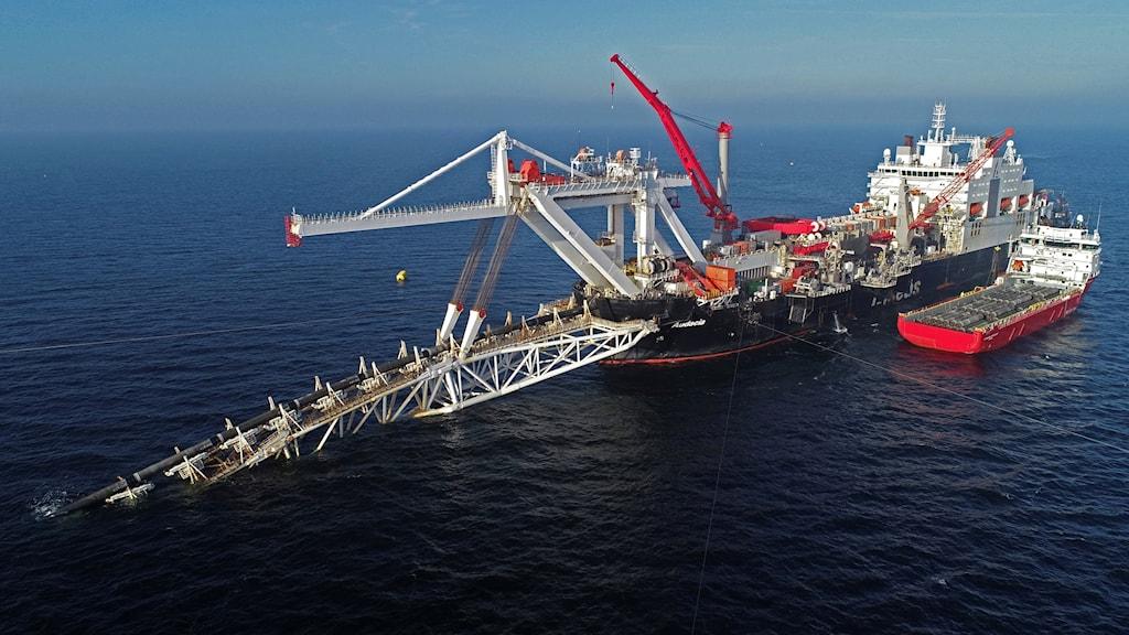 Kritiker till Nord Stream menar att ledningen kommer göra EU mer energiberoende av  Ryssland.