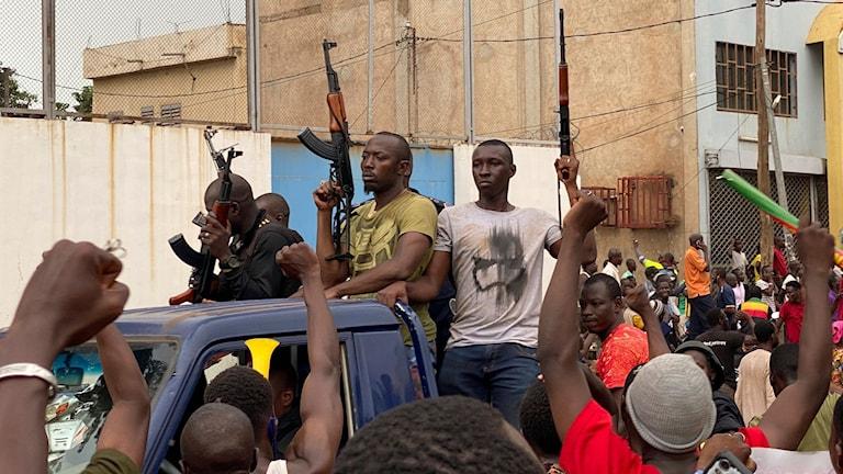 Utegångsförbud i Mali efter militärkupp