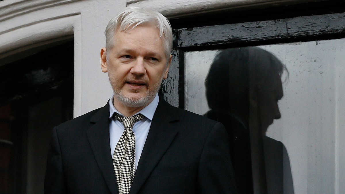 The founder of Wikileaks is in the Ecuadorian embassy in London, and cannot be extradited to Sweden. Kirsty Wigglesworth/AP/TT