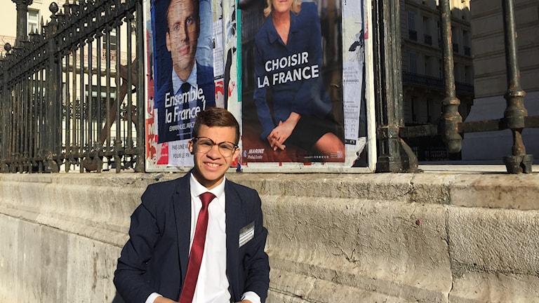 Nathan stöttar Marine Le Pen