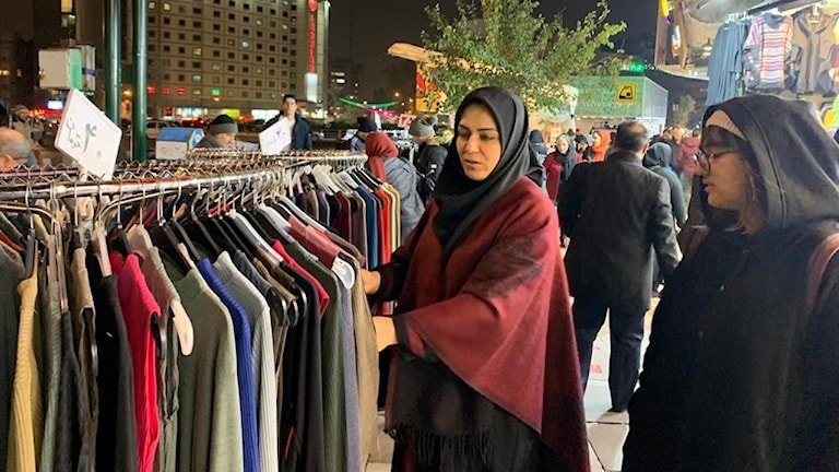 Klädmarknad i Teheran.