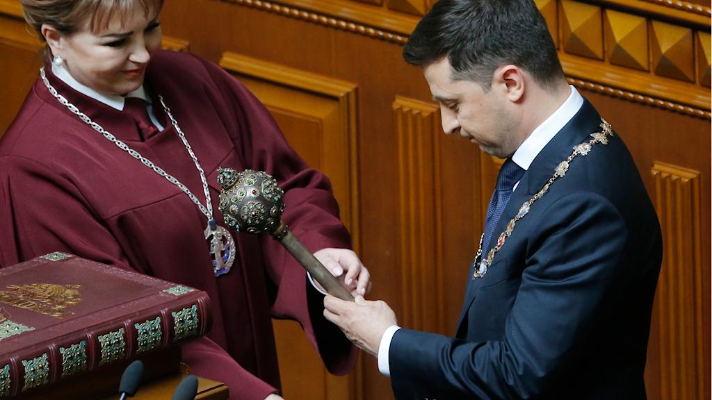Nye presidenten Volodymyr Zelenskyj under ceremonin i dag. Foto: Efrem Lukatsky/TT.