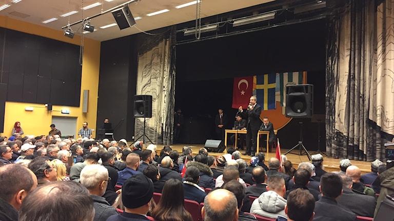 Mehdi Eker speaks in Fittja