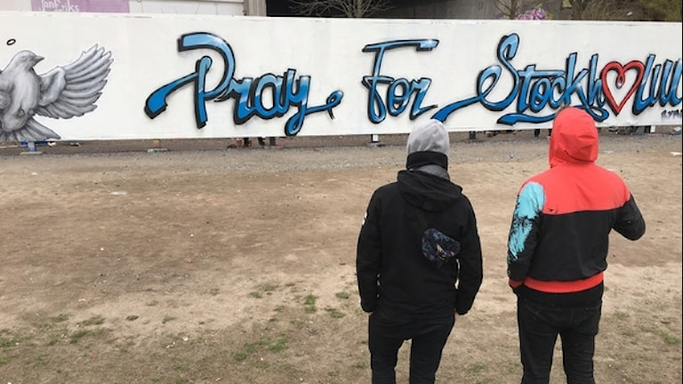 "Grafittivägg ""Pray for Stockholm"""