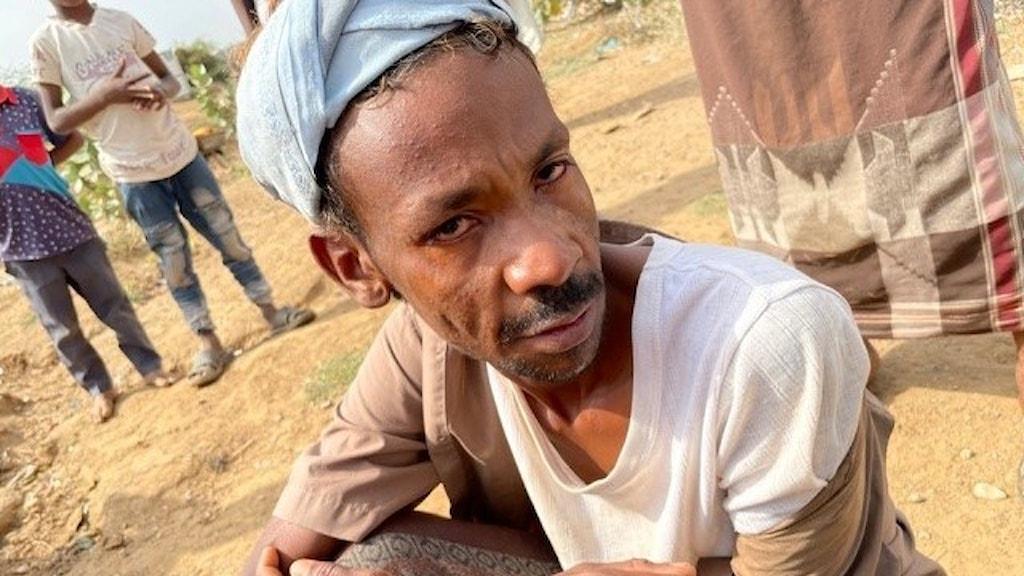 Man i Jemen som förlorade sin familj i en flygattack.