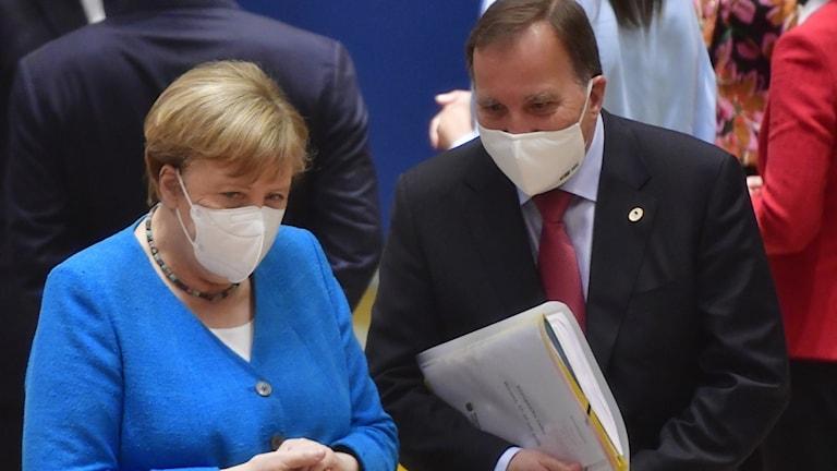 Tysklands förbundskansler Angela Merkel och Sveriges statsminister Stefan Löfven i Bryssel.