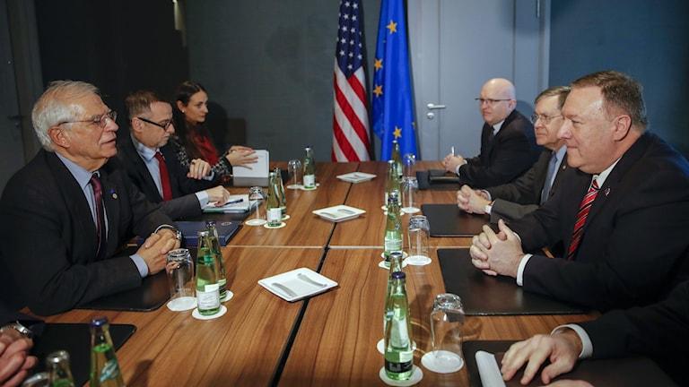 Världsledare på plats i Berlin för mötet om krigshärjade Libyen.