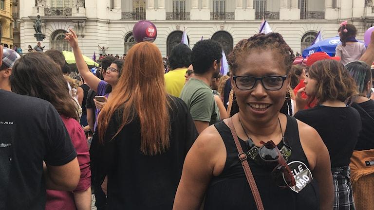 Valeria Correia var en av tusentals deltagare på demonstrationen mot Jair Bolsonaro i Rio de Janeiro i går.