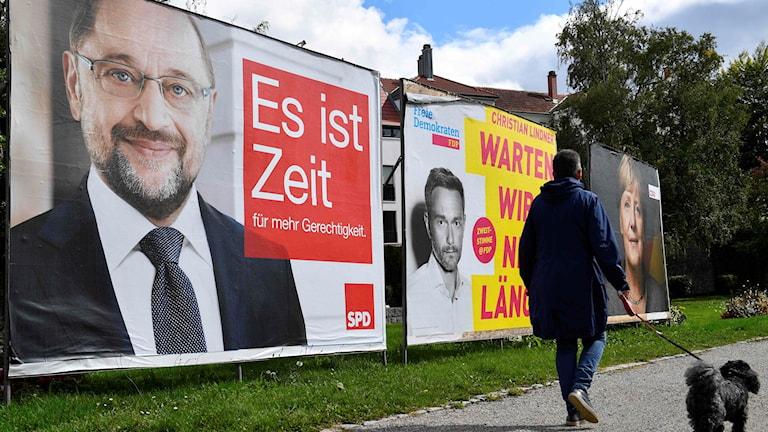 Tyskland valplakat. Foto: Thomas Kienzle/TT.