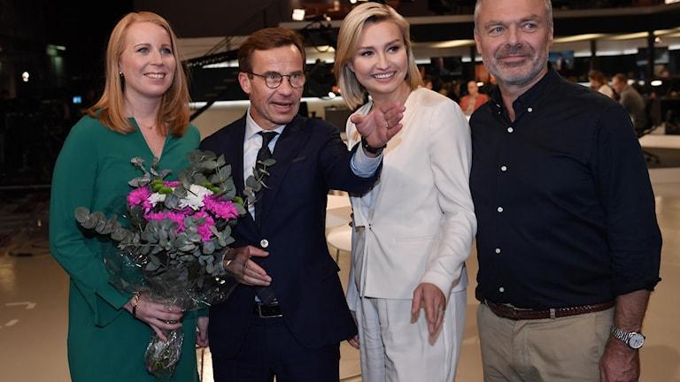 Alliansens partiledare Annie Lööf (C), Ulf Kristersson (M), Ebba Busch Thor (KD) och Jan Björklund (L) på SVT:s valvaka.