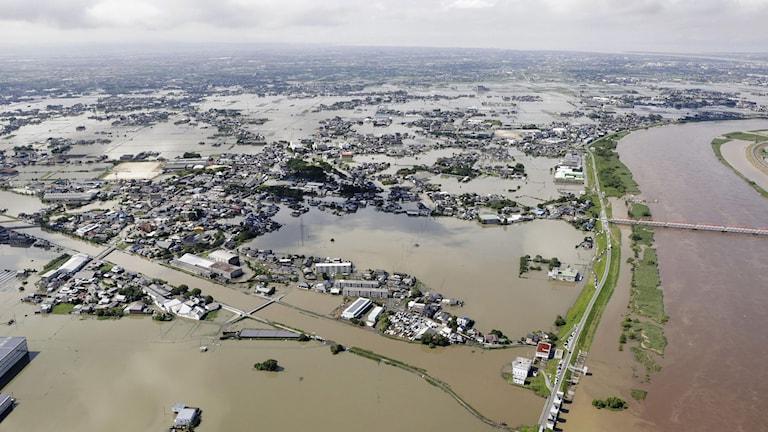 Bild från översvämningar i  Japan.