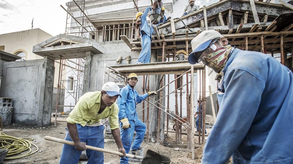 Migrantarbetare inför Fotbolls-VM 2022