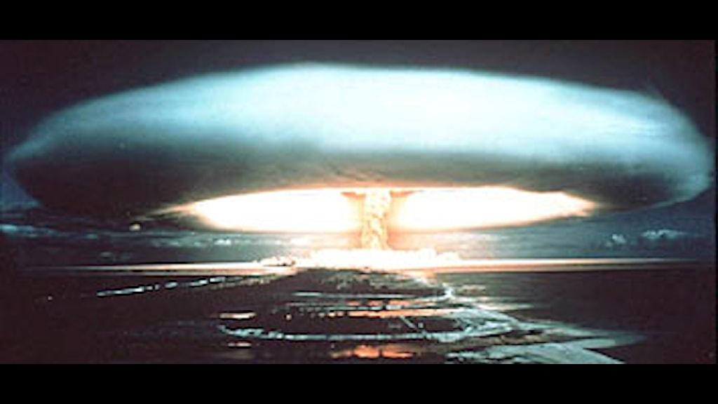 Kärnvapenexplosion vid ett test i Stilla Havet 1971. Arkivfoto: PRB.