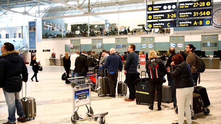 Passagerare köar vid Landvetters flygplats