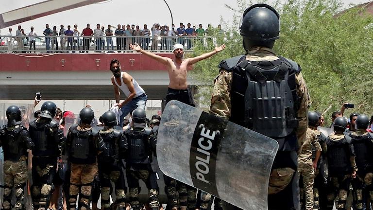 Protest mot regimen i Irak.