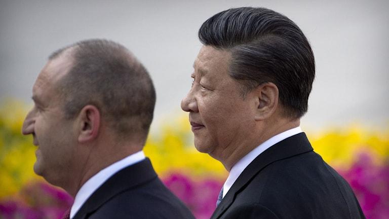 Kinas president Xi Jinping till höger.