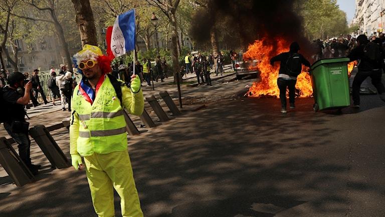 Gula västarna Paris 20 april