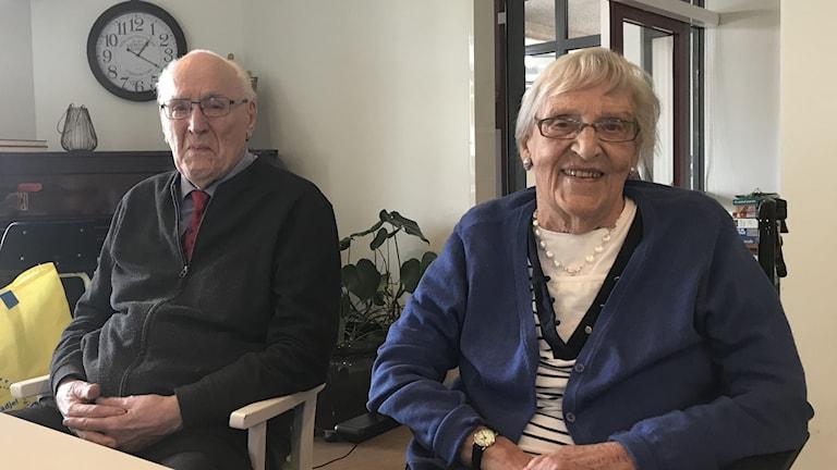 91-åriga Barbro Sterner tillsammans med maken Rolf.